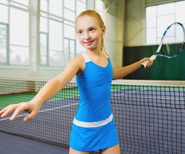 С какого возраста ребенку можно начать заниматься теннисом